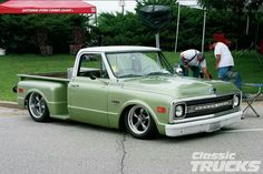 old trucks chevy Chevy Trucks For Sale, 67 72 Chevy Truck, Old Pickup Trucks, Classic Chevy Trucks, Chevrolet Trucks, Gmc Trucks, Cool Trucks, Classic Cars, Chevy Stepside