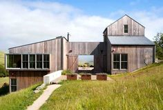 Beautiful net-zero energy family ranch comfortably hosts sixteen in California | Inhabitat - Sustainable Design Innovation, Eco Architecture, Green Building