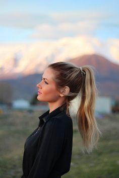 Beauty Barefoot Blonde by Amber Fillerup Clark