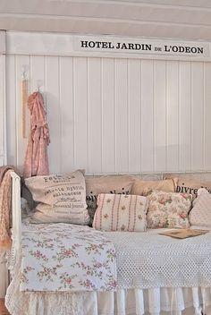 #Vintage Day Bed