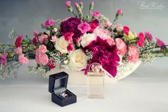 Przygotowania ślubne  #panna #mloda #wedding #preparation #flowers #ring #perfumes