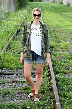 Ready for summer nights with this camo jacket (my favorite and goes with everything!) // The Kissing Booth Blog