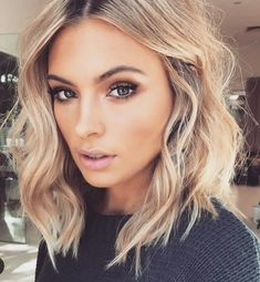 Hair shoulder length. gorgeous makeup.