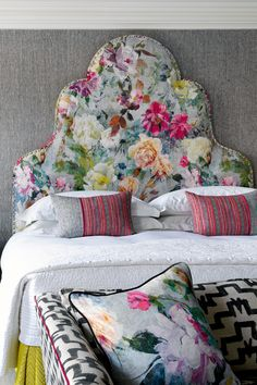 Hotel designer Kit Kemp on mastering a dream bedroom Headboard Designs, Headboard Ideas, Headboards, Soho Hotel, High Beds, Upholstered Chairs, Dream Bedroom, Queen, Decoration