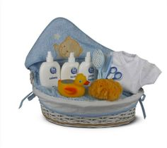 """Canastilla de bebé Moderna 1"""" - 134€ (envío incluido a toda la península) Incluye Cesta de mimbre vestida; Capa de baño; Body de algodón interior manga corta; Termómetro de baño de patito; Tijeritas de uñas; Esponja natural; Cepillo; Peine; Jabón de baño; Loción corporal; Colonia Baby Shawer, Body, Baby Car Seats, Children, Natural, Interior, Gifts, Mantle, Wicker Baskets"""