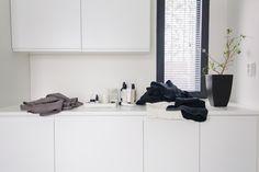 Kodinhoitohuone Keittiökalustetukku mittatilaus Laundry Room Inspiration, Shoe Rack, Koti, Bathroom Ideas, Organizing, Bathrooms, Heart, Bathroom, Shoe Racks