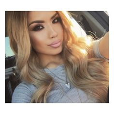 Currently glowing shoutout to the sun for always giving my pictures life lol!!! •••••••••••••••••••••••••••••••••••••••••••••••• Using my Lily hair dirty blonde extensions and 6 in 1 curling set from @bellamihair (discount code iluvsarahii at checkout) #iluvsarahii #bellamihair #teambellami #californiavibes #hotaf