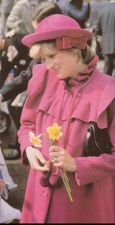 Princess Of Wales, Princess Diana, Lady Diana Spencer, Winter Hats, Hearts, Fashion, Moda, Fashion Styles, Lady Diana