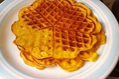 Low Carb Wafers use egg white instead of the powder Low Carb Waffeln verwenden anstelle des Pulvers Eiweiß Low Carb Sweets, Low Carb Desserts, Low Carb Recipes, Paleo Treats, No Bake Treats, Good Food, Yummy Food, Low Carb Breakfast, Convenience Food