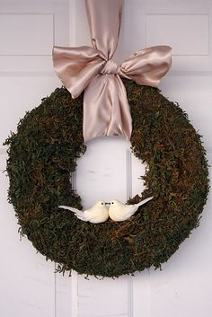 Cheap to make moss wreath