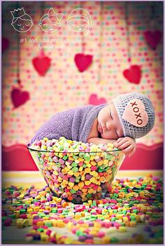Top 17 Baby & Toddler Valentine Picture Ideas – Creative Digital Photography Tip - Easy Idea Baby Girl Photos, Cute Baby Pictures, Newborn Pictures, Newborn Pics, Foto Newborn, Baby Girl Newborn, Baby Kind, Baby Love, Valentine Picture