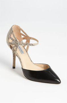 Classiques Entier Sabrina Pump - elegant professional shoes #commandress