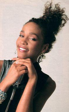 Whitney Houston ... Nippy on the mic!