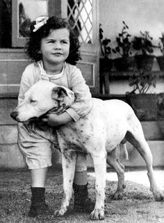 Vivien Leigh childhood photo  http://celebrity-childhood-photos.tumblr.com/