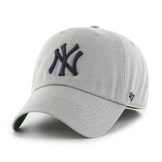 e30dfc35ec4 New York Yankees 47 Brand Franchise Gray Navy Logo Fitted Hat