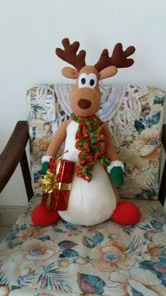 Christmas Signs, Christmas Wreaths, Christmas Decorations, Christmas Ornaments, Holiday Decor, Crochet Diagram, All Holidays, Christmas Fabric, Fabric Decor