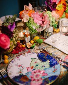 Vibrant + colorful floral tablescape at art-filled wedding reception at the National Arts Club in New York City. Dream turned reality by Florist- McQueens Flowers, Planner- Rebecca Gardner and Photographer- Sasithon Photography. New York Wedding, Hotel Wedding, Wedding Reception, Bouquet Delivery, Flower Delivery, Wedding Questions, Vogue Wedding, Industrial Wedding, Wedding Designs