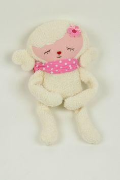 Kuscheltiere - Kissen Schaf,Kuscheltier Schaf,plüschschaf - ein Designerstück von bellaundgretel bei DaWanda