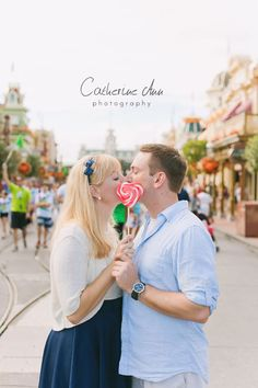 Magic Kingdom Engagement Session | Lisa & Wes - Tampa Portrait & Wedding Photographer | Catherine Ann Photography | Tampa Portrait & Wedding Photographer | Catherine Ann Photography