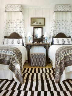 rough luxe: The Power of Black and White Like the ottoman