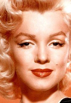 The Beauty Of Marilyn Monroe: Photo Marylin Monroe, Estilo Marilyn Monroe, Marilyn Monroe Photos, Joe Dimaggio, Mae West, Angelina Jolie, Cinema Tv, Norma Jeane, Close Up Photos