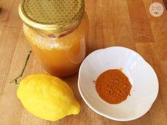 Lo sciroppo alla curcuma e miele è uno sciroppo molto gustoso. La ricetta è molto semplice ma i suoi benefici, come vedremo, sono assai numerosi.