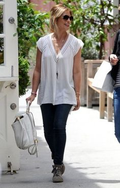 Sarah Michelle Gellar wearing Marc by Marc Jacobs Classic Q Marissa Leather Backpack and Rebecca Taylor Diamond Sleeveless Top.