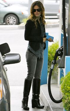 Rachel Bilson is so cute and always looks so put together. I love her eclectic style. She has an eye for putting different pieces together and making them look good.
