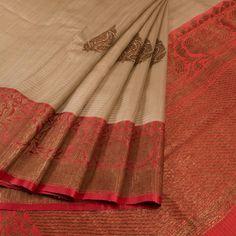 Buy Online Saris Shivangi Kasliwaal - one stop destination for shopping at Best Prices in India. Phulkari Saree, Kuppadam Pattu Sarees, Indian Silk Sarees, Silk Cotton Sarees, Kanchipuram Saree, Trendy Sarees, Saree Trends, Saree Styles, Dress Styles
