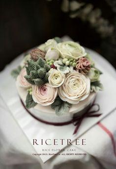 Ricetree Rice cake Class E-mail: ryuinsoo78@naver.com Korean Buttercream Flower, Buttercream Flower Cake, Cupcakes Flores, Flower Cupcakes, Creative Desserts, Creative Cakes, Gorgeous Cakes, Amazing Cakes, Korea Cake