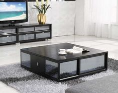Black Coffee Table with Rug for Living Room Ideas  #coffeetable #furniture #furnituretrends #furniture_design #livingroom #livingroomideas #livingroomdesign #livingroomdecor #decor #homedecor #decorideas #decoration #decorating #interior #interiorideas