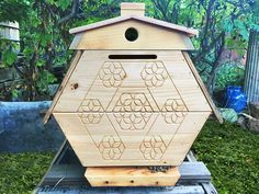 BackYardHive.com - Ventilated Roof Hive Plans