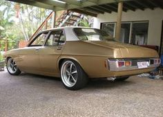 Holdens and Cool Cars Australian Muscle Cars, Aussie Muscle Cars, Hq Holden, Holden Kingswood, Holden Australia, Old School Cars, Luxury Suv, Drag Cars, Hot Cars