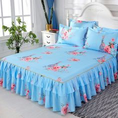 Lace Bedding, Floral Bedspread, Mattress Covers, Bed Covers, Draps Design, Bed Cover Design, Designer Bed Sheets, King Size Bed Sheets, Decorating Rooms
