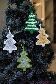 c v e t u l k a knits: Christmas Decoration (part II) Knitted Christmas Decorations, Christmas Ornaments To Make, Christmas Items, Christmas Crafts, Xmas, Holiday Decor, Christmas Christmas, Christmas Knitting Patterns, Knitting Patterns Free