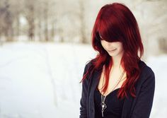 kinda wanna do this with my hair, but have no idea how i would look with red hair like that.