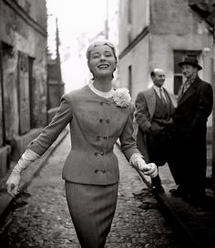 Bettina Graziani wears a suit by Madeleine de Rauch in a photo by Georges  Dambier for 6b2497b38d3