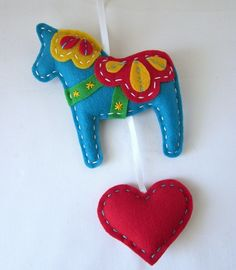 Love afelted circus or folk art horse!