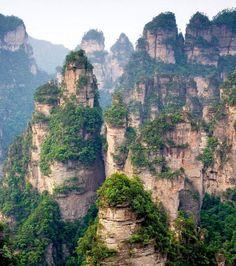 Vous voulez voir un décor sorti tout droit du film ''Avatar'' ? Visitez les Monts Tianzi, en Chine