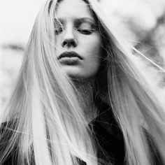 Black and White Photography Portrait of Kirsty Hume by Nathaniel Goldberg Black And White Portraits, Black And White Photography, Artistic Photography, Portrait Photography, Kirsty Hume, Blonde Hair Makeup, Original Supermodels, Black Magic Woman, Model Look