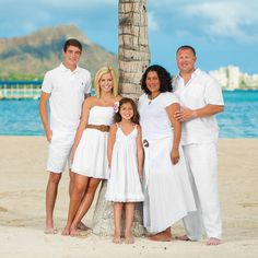 Yay for family portraits. This is an oldie but goodie. I shot this down in Honolulu in front of the Hilton Hawaiian village right next to the lagoon. You'll see iconic diamond Head in the background as well. #family #familyportrait #diamond #diamondhead #hilton #lagoon #waikiki #honolulu #ocean #beach #palm #palmtrees #hawaii #oahu #hawaiianvillage #familyportraits #love #together #boat #harbor #paradise #perfection #strobe #lighting #photography #shaneharderphotography