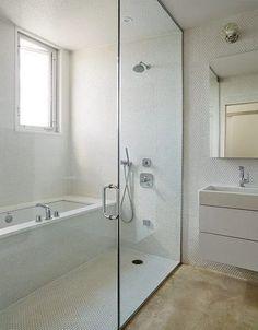 New bathroom shower panels wet rooms Ideas Bath Shower Combination, Bathtub Shower Combo, Diy Shower, Shower Ideas, Shower Rooms, Bathroom Showers, Japanese Soaking Tubs, Japanese Shower, Small Shower Remodel