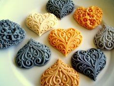 Soap molds are used to shape the chocolate. Polymer Clay Cake, Polymer Clay Projects, Polymer Clay Creations, Polymer Clay Jewelry, Cake Decorating Tools, Cookie Decorating, Cake Borders, Valentine Cookies, Valentines
