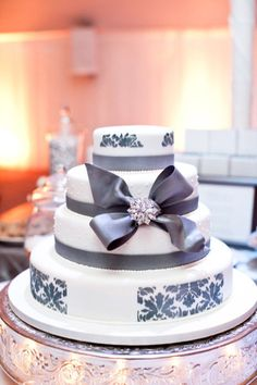 Wedding Cake with Gray Design - Pretty as can be!