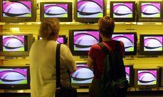 """M6 a 30 ans: retour sur ses 10 programmes cultes   Culture Pub (1987) C'est une des émissions pionnières de la chaîne. L'une des plus emblématiques également. Tout le monde se souvient du célèbre """"badoumba"""" du générique. L'émission, imaginée par Christian Blachas et Anne Magnien, qui l'ont longtemps présentée, décortique la pub et l'histoire des marques."""