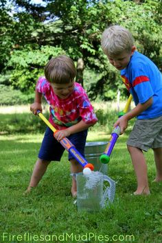 Stay cool this summer with water blaster games! #firefliesandmudpies
