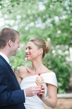 Real bride, real love image: Brooke Allison Photography gown: Amsale