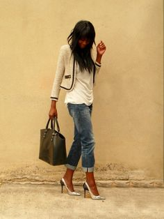 Zara blazer w/long top, boyfriend jeans, killer pumps bag.LOVE the blazer made casual by the untucked top. Blazer - a must have this summer - and go for something a little different. Jean Boyfriend Style, Boyfriend Jeans, Boyfriend Look, Perfect Boyfriend, Fashion Mode, Cute Fashion, Look Fashion, Street Fashion, Autumn Fashion