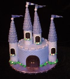 Purple_Castle_Cake_2008.JPG 754×859 pixels