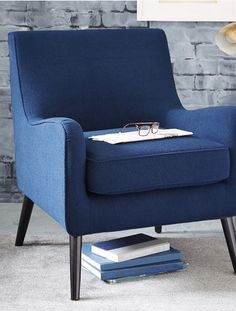 simple and elegant armchair http://rstyle.me/n/prtnnpdpe